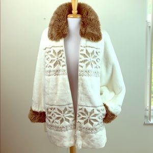 Nordic Lights faux fur oversized snowflake coat M